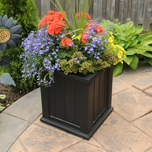 Cape Cod Patio Planter 16
