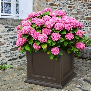 Fairfield Patio Planter 28