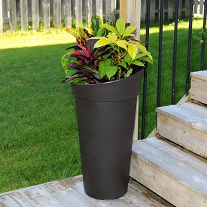 Creston Tall Planter 28